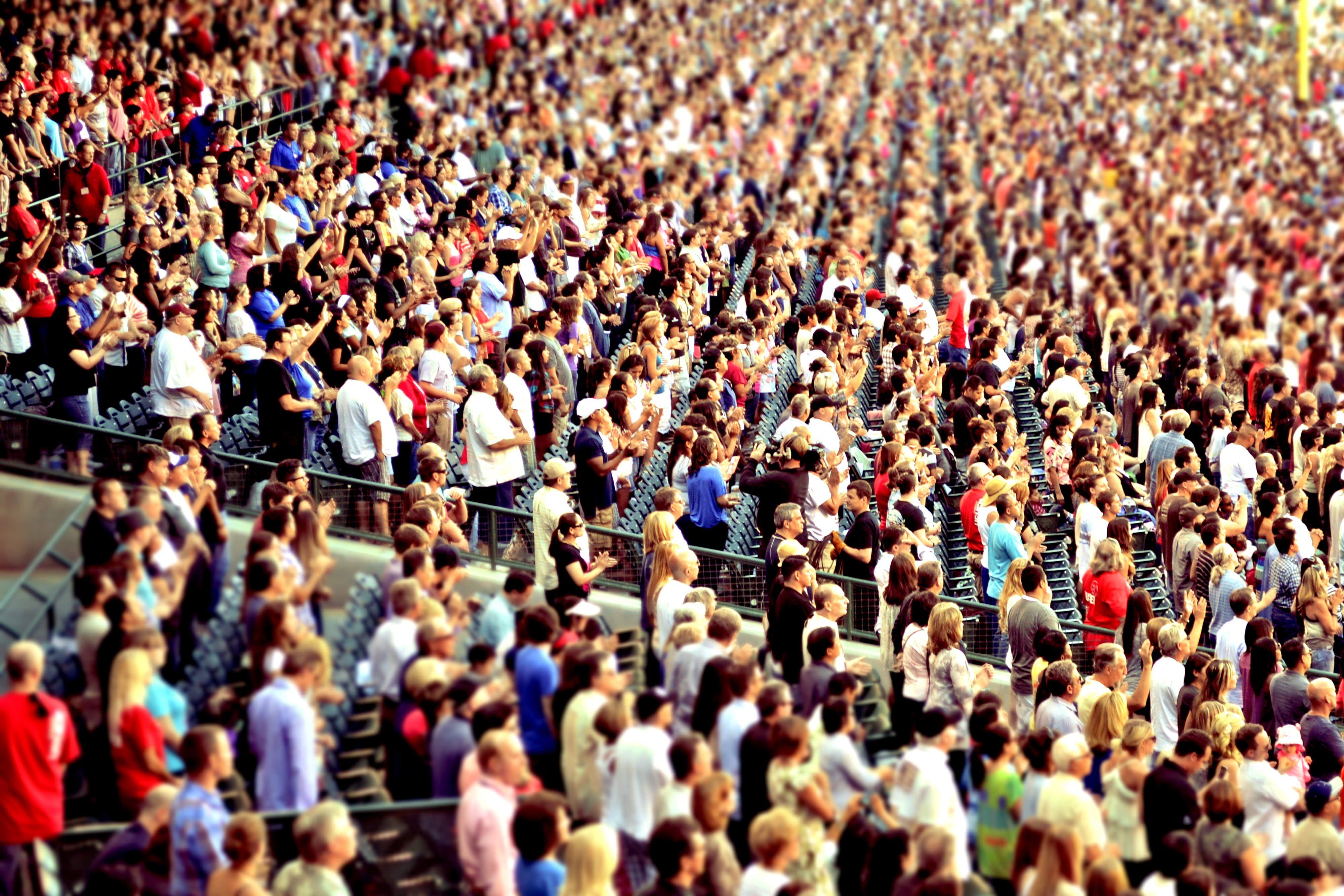 картинки массового скопления людей выбирать
