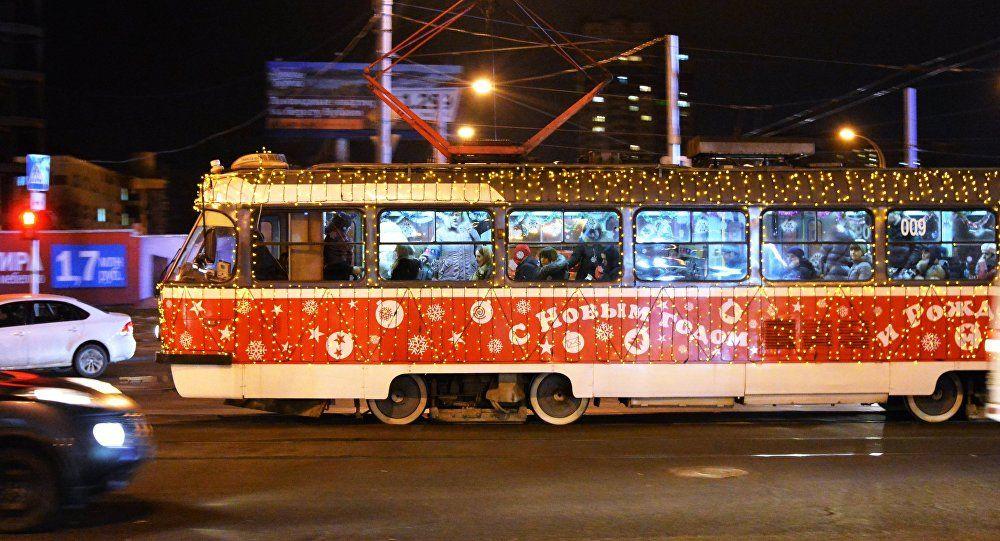 Публичный транспорт вКраснодаре украсили кНовому году
