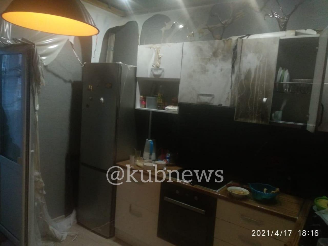Опубликованы фото из квартиры, где женщина получила ожоги из-за «вспышки масла»