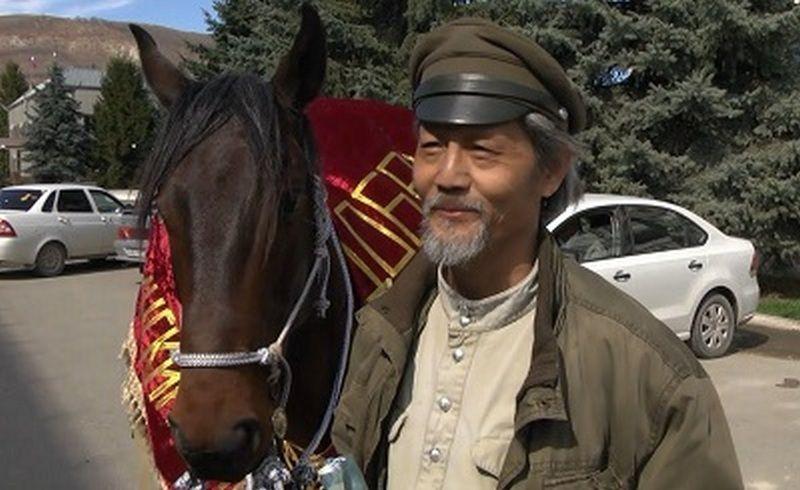 ВСаранск налошади въедет китайский путешественник