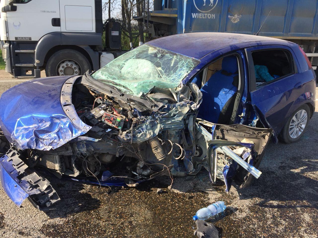 Под Краснодаром вДТП попал пассажирский автобус Геленджик— Курганинск