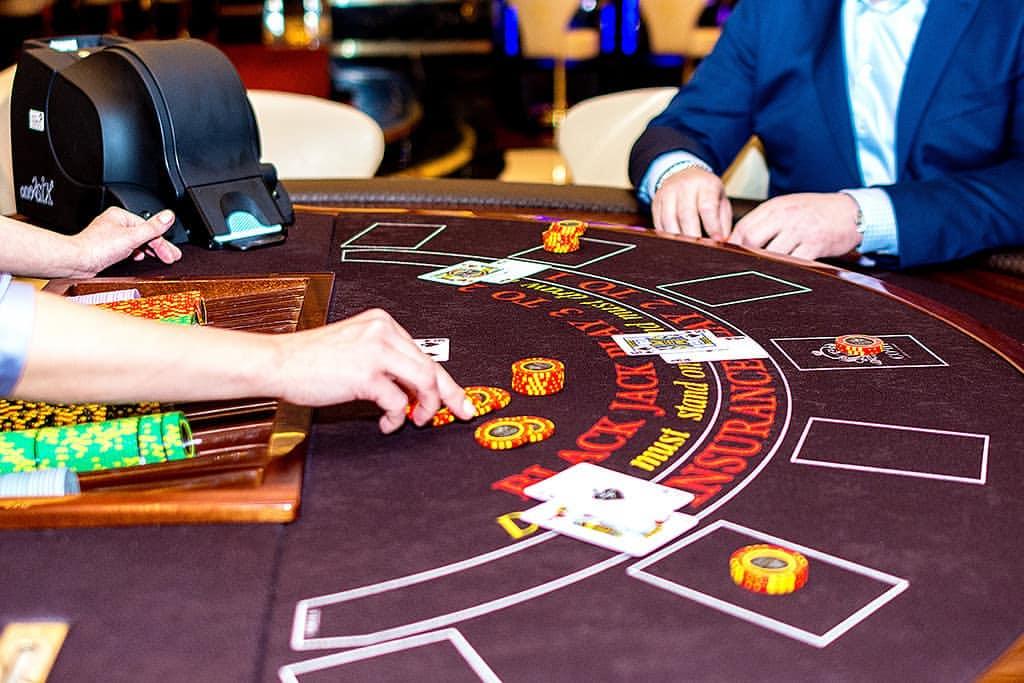 Работа в казино в ейске slots casino party online