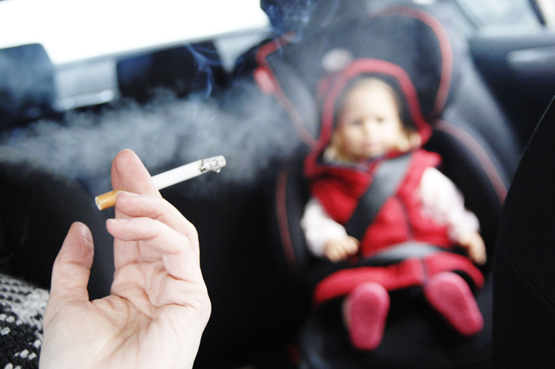 Пассивное курение грозит ревматоидным артритом