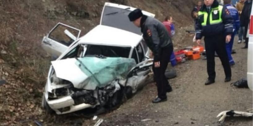 Под Геленджиком вДТП угодила машина сдолгожительницами: есть жертвы