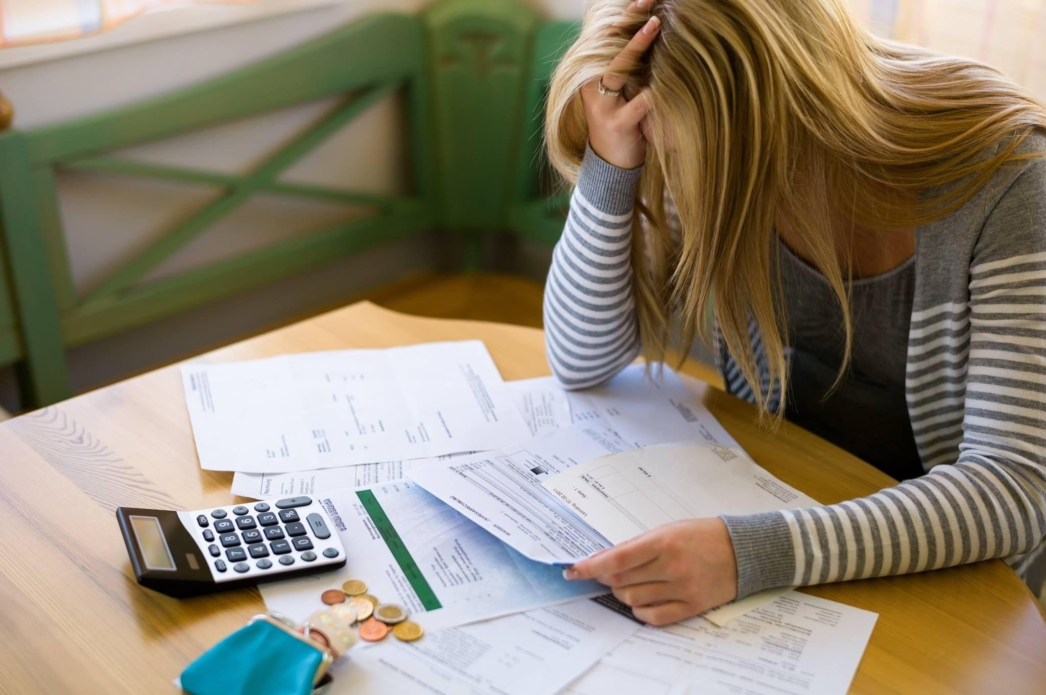 задолжность по кредитам россиян кредит без кредитной истории с 18 лет