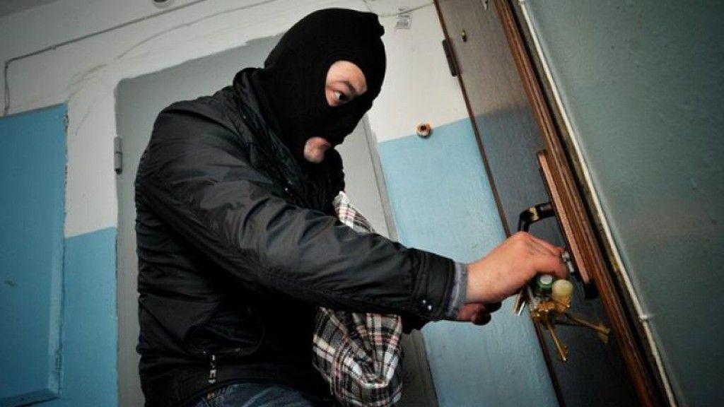 Нановогодних каникулах квартиры кубанцев впервую очередь грабят после 18.00
