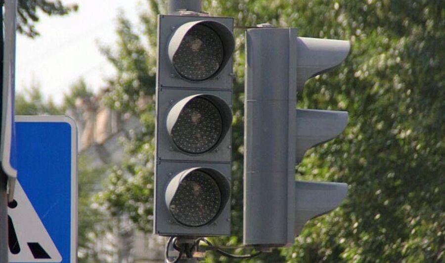 В Комсомольском микрорайоне Краснодара на четыре дня отключили светофор
