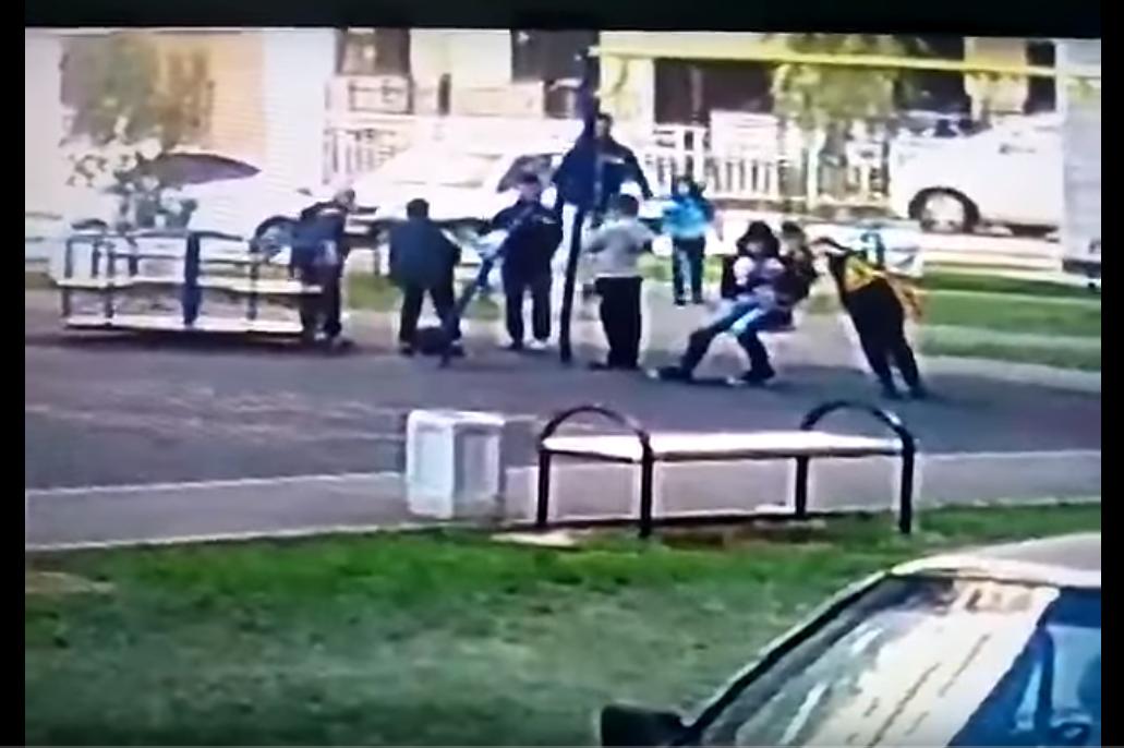Краснодарец обвинен визбиении школьников надетской площадке