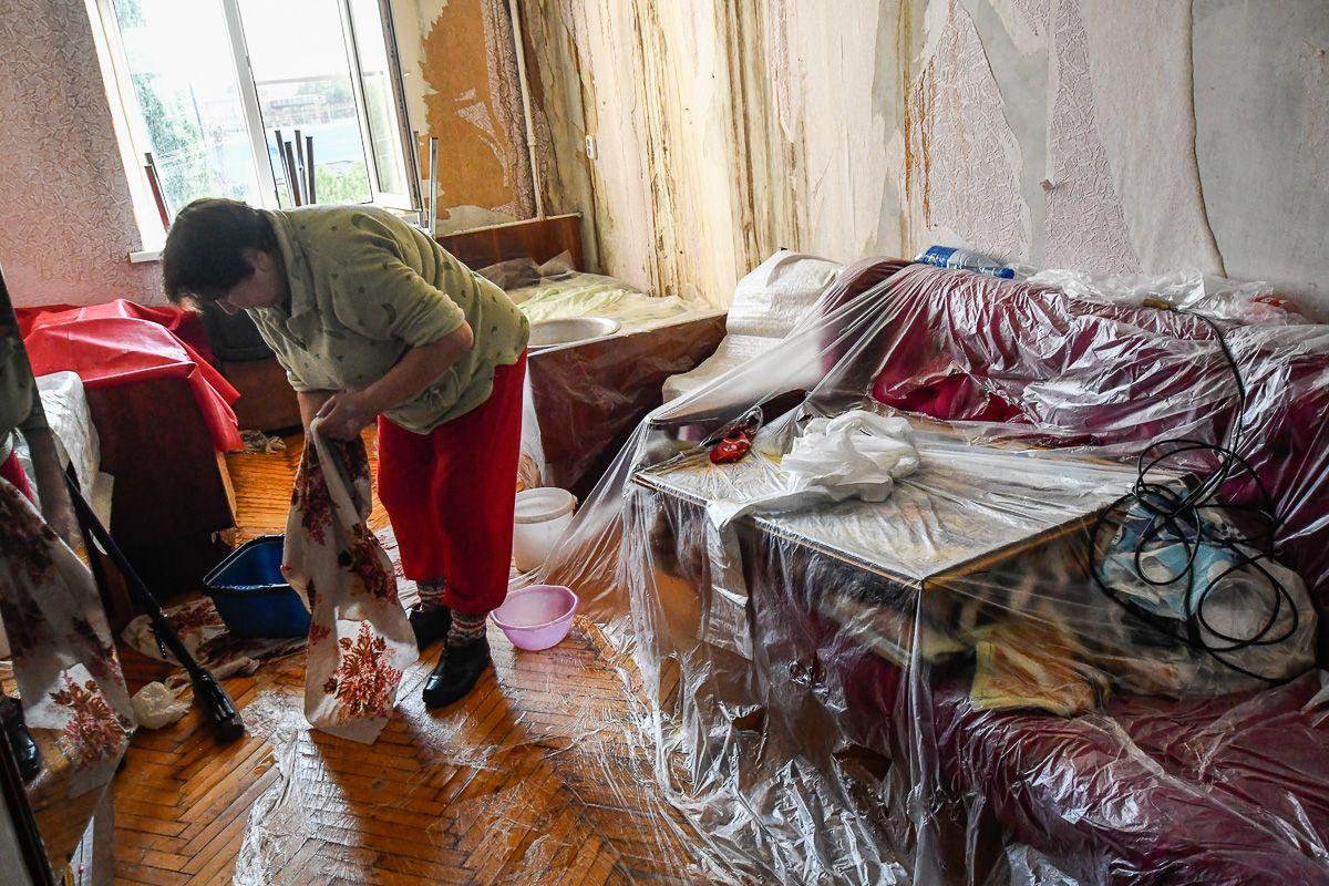 пожарные затопили квартиру
