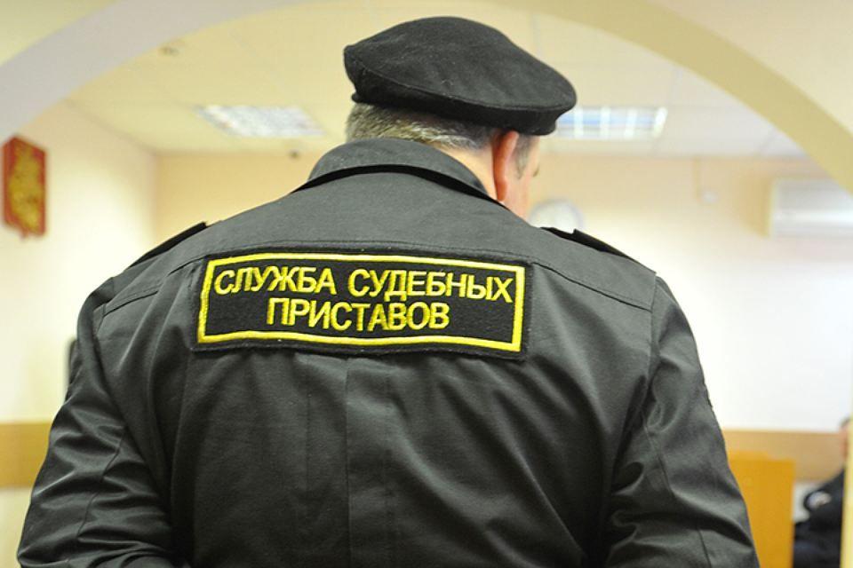 Каждый десятый должник Самарской области неможет вылететь заграницу