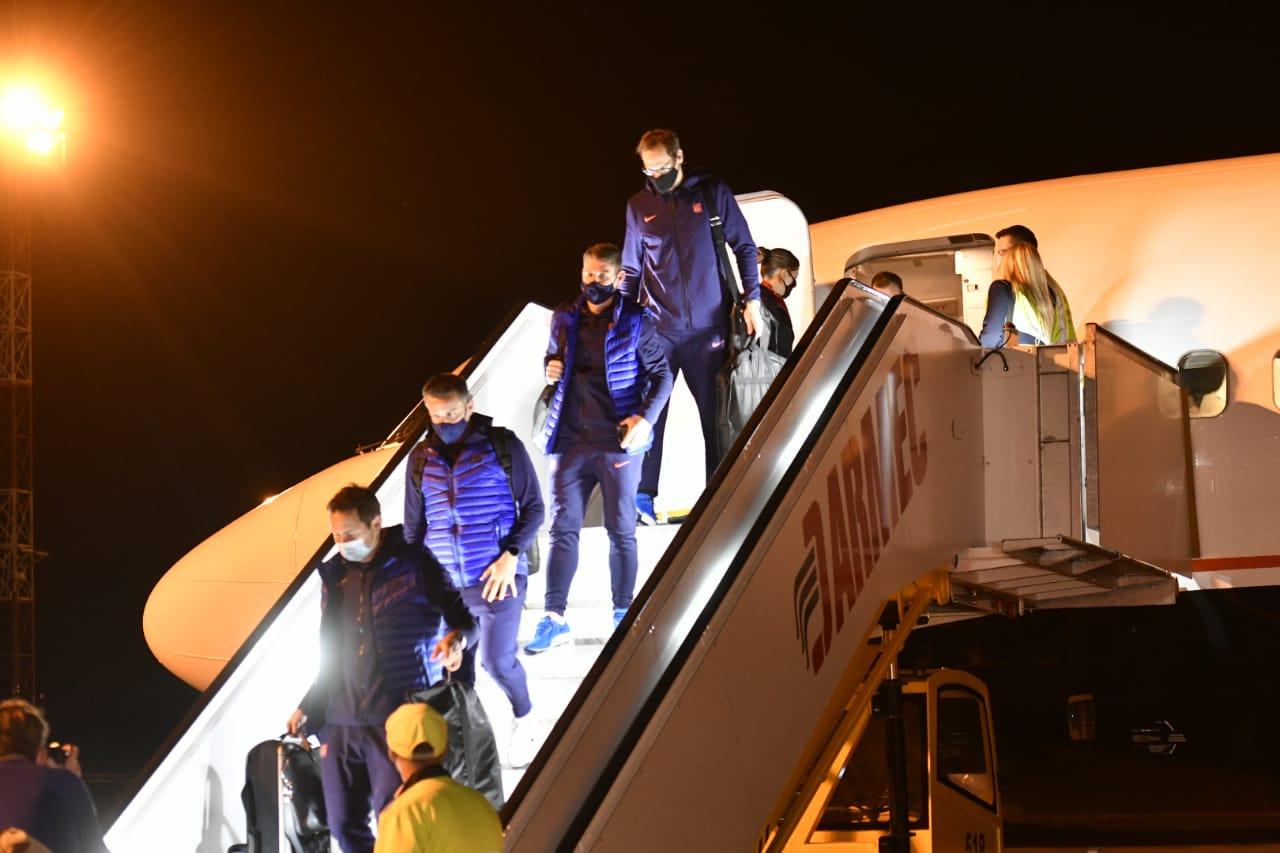 В Краснодаре ОМОН перекрыл доступ прессы и фанатов к футболистам «Челси» из-за коронавируса