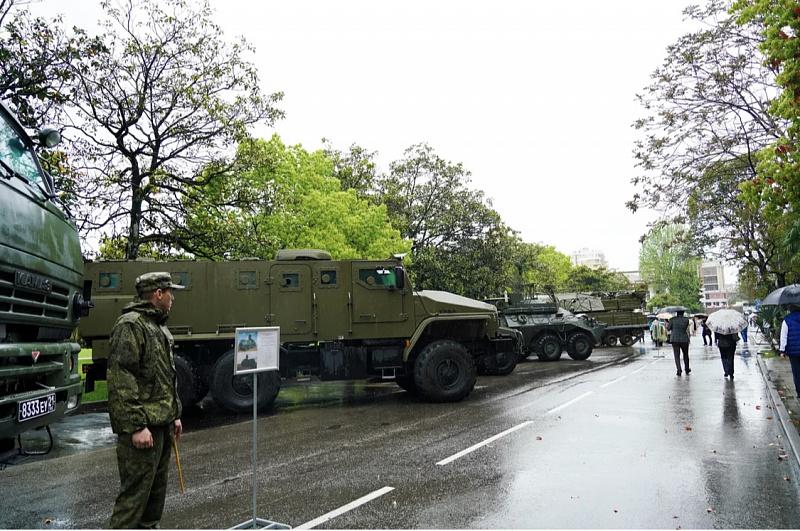 На курорте к 9 мая открылась выставка вооружения Сочинского гарнизона