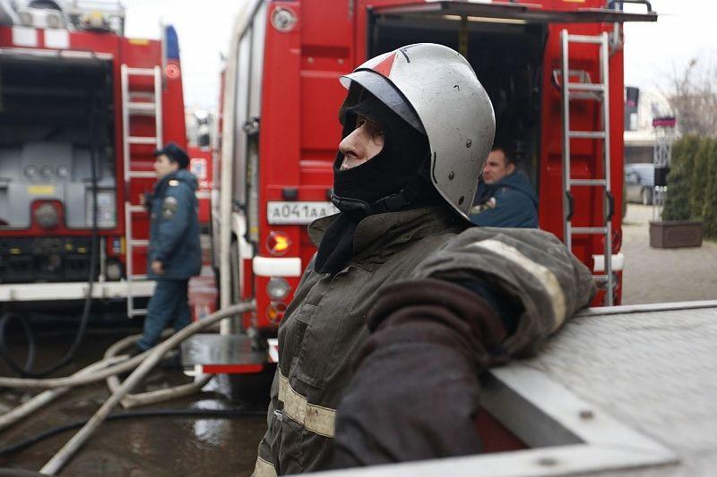 В Краснодаре на улице Российской горел магазин матрасов