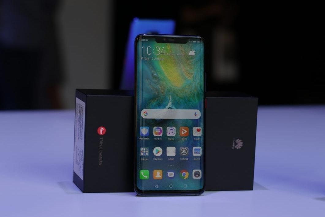a04257bd2185d Назван лучший смартфон 2018 года