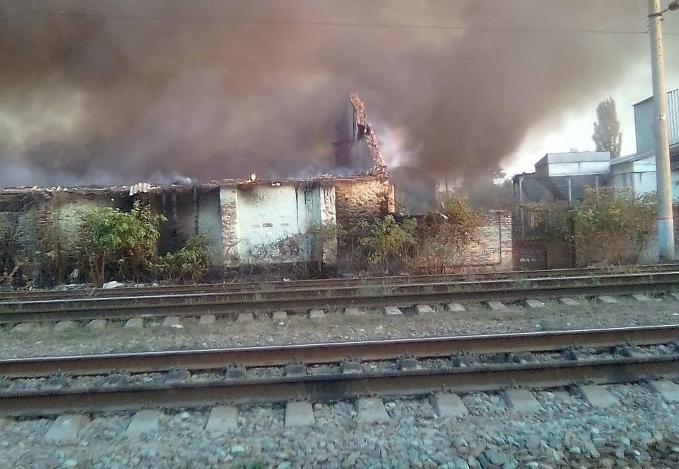 ВСеверском районе загорелись несколько зданий нажелезнодорожной станции