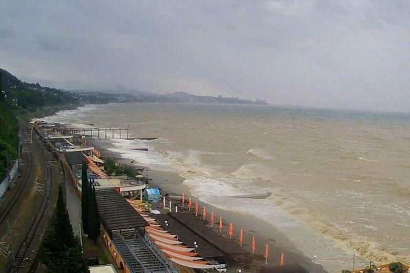 Специалисты рассказали, когда Черное море очистится после подтоплений