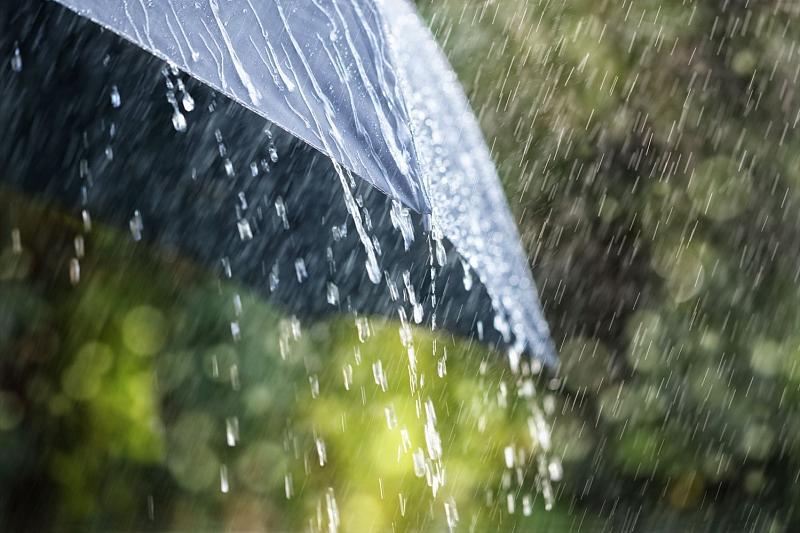 На Краснодар надвигается сильный дождь с грозой и градом