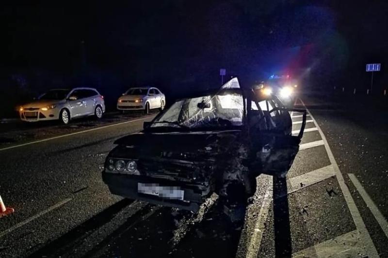 При столкновении ВАЗа и Daewoo пострадали два человека