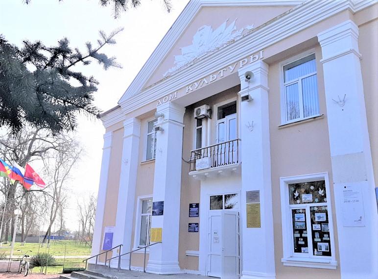 Дом культуры отремонтировали по нацпроекту в Ленинградском районе