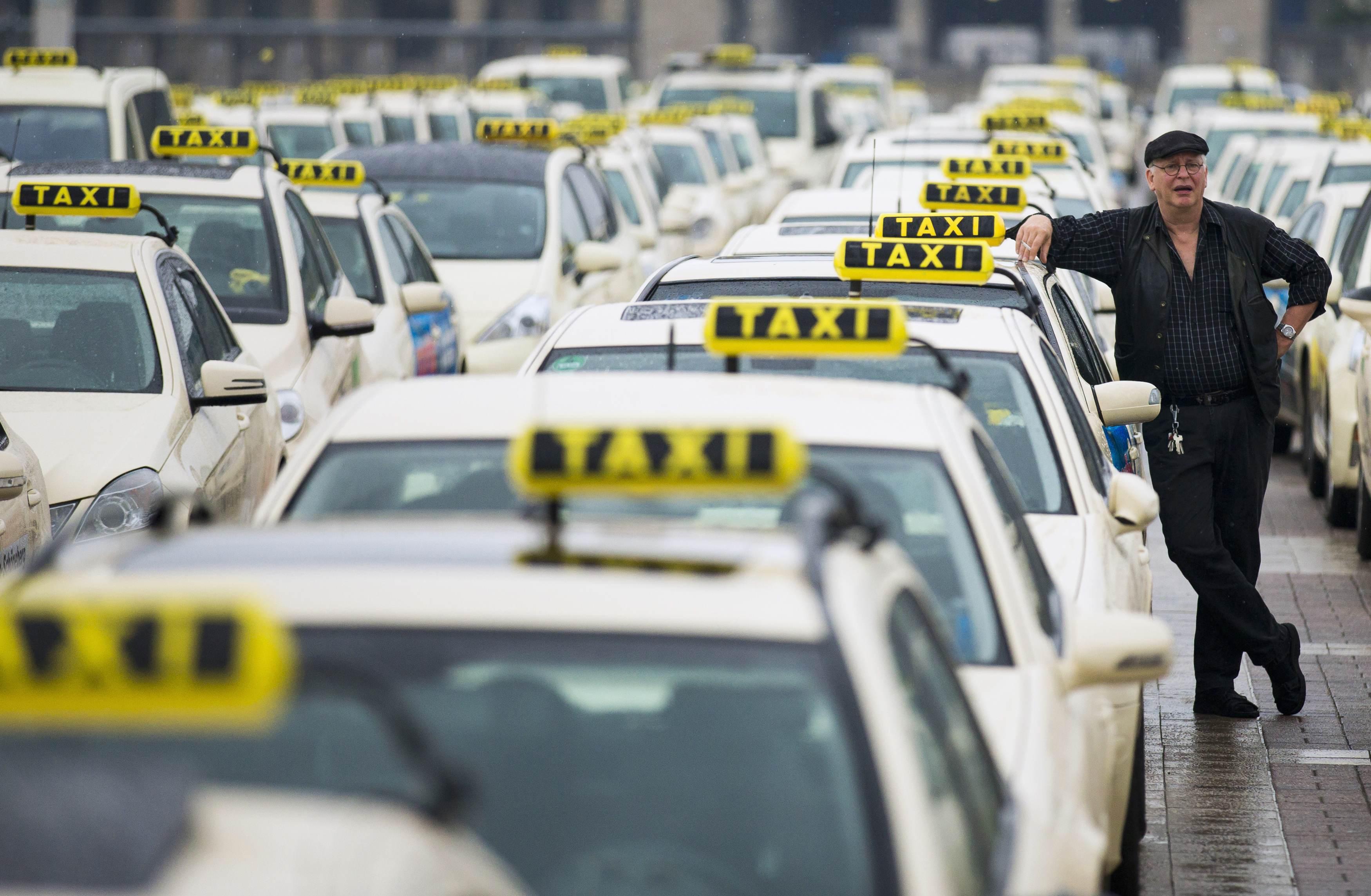 В РФ посоветовали лицензировать водителей такси ради безопасности пассажиров