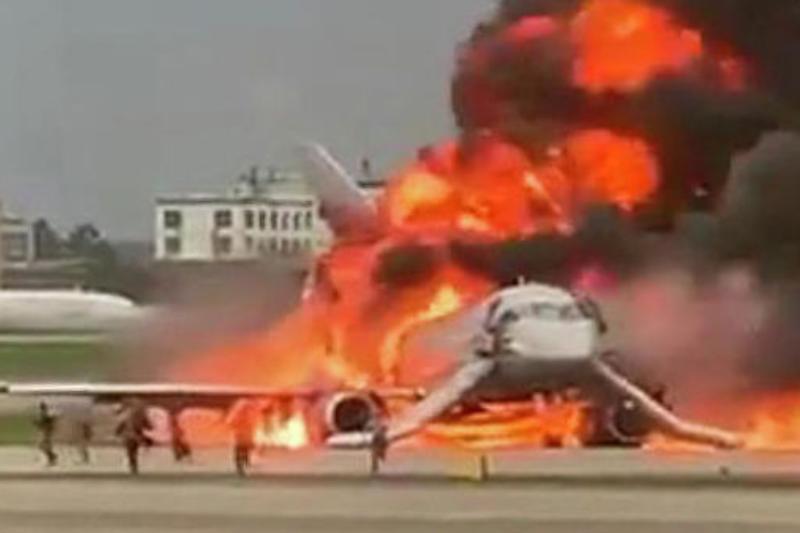 Выжили 37 человек: СК уточнил информацию о ЧП на борту самолета в «Шереметьево»