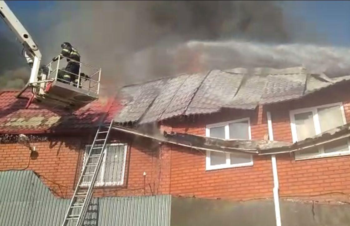 Площадь пожара вТЦ вКраснодаре возросла до800 квадратных метров