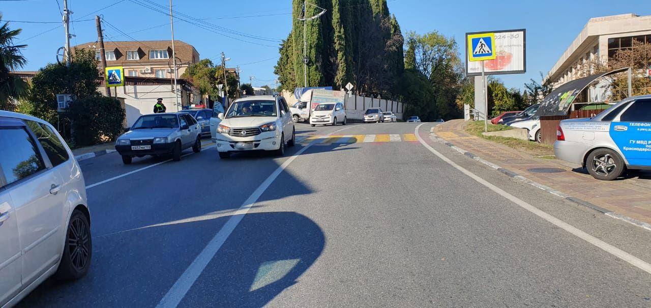 В Сочи пенсионерка на иномарке сбила 12-летнего мальчика