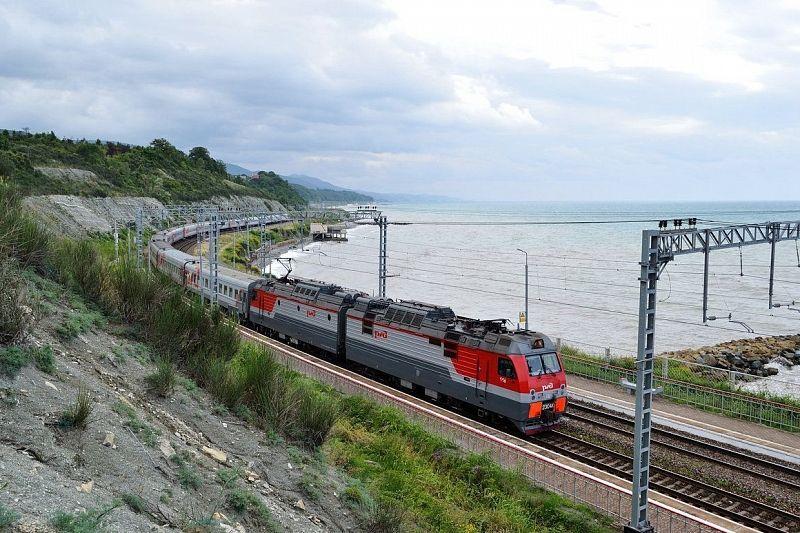Названы самые дешевые маршруты для путешествий на поезде из Краснодара и Сочи
