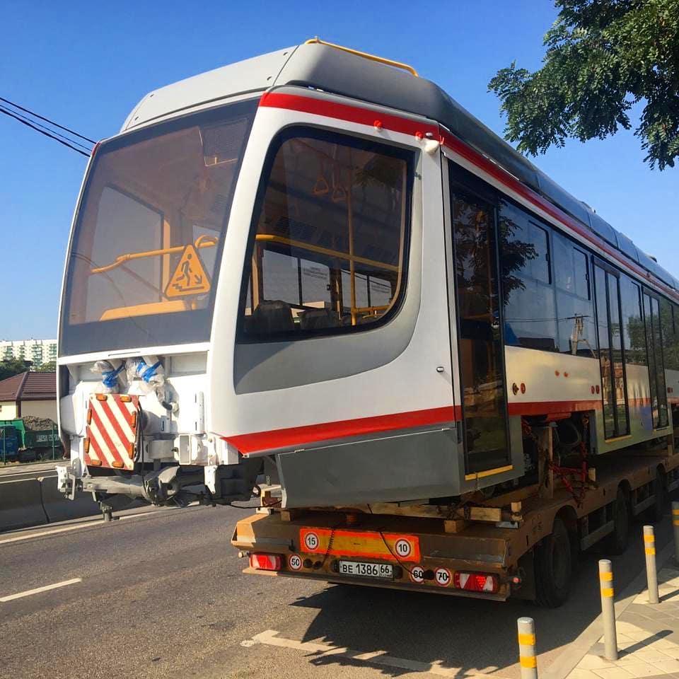 Wi-Fi, розетка и площадка для колясок: Краснодар получил два новых трамвая