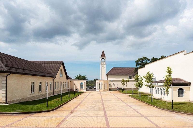 Губернатор Кубани посоветовал туристам побывать в винодельне на Таманском полуострове