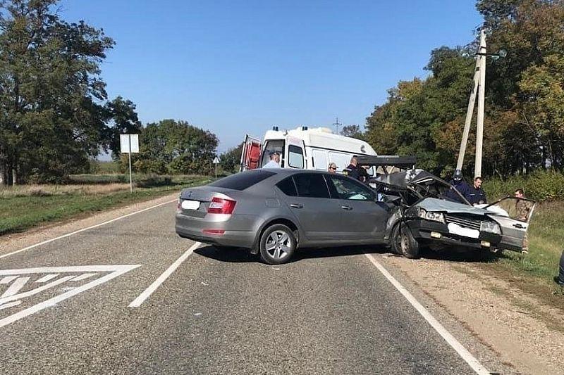 17-летняя пассажирка «девятки» погибла в жестком ДТП с иномаркой