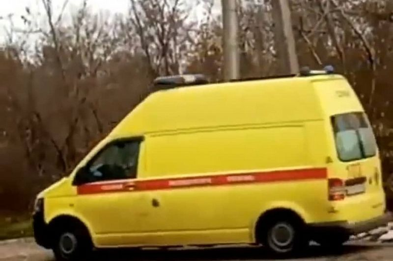 В Минздраве прокомментировали проезд колонны автомобилей скорой помощи с сиренами