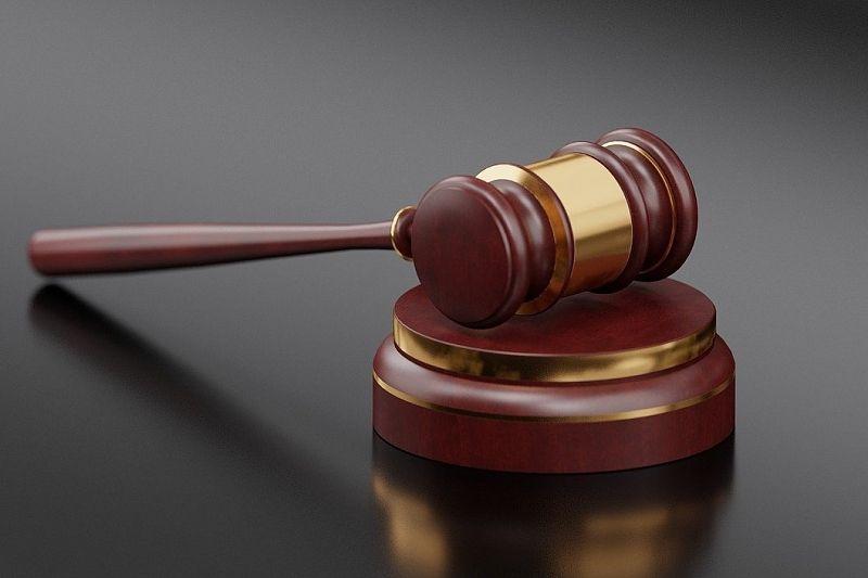 Трое мужчин ответят в суде за разбойное нападение с бейсбольными битами и убийство