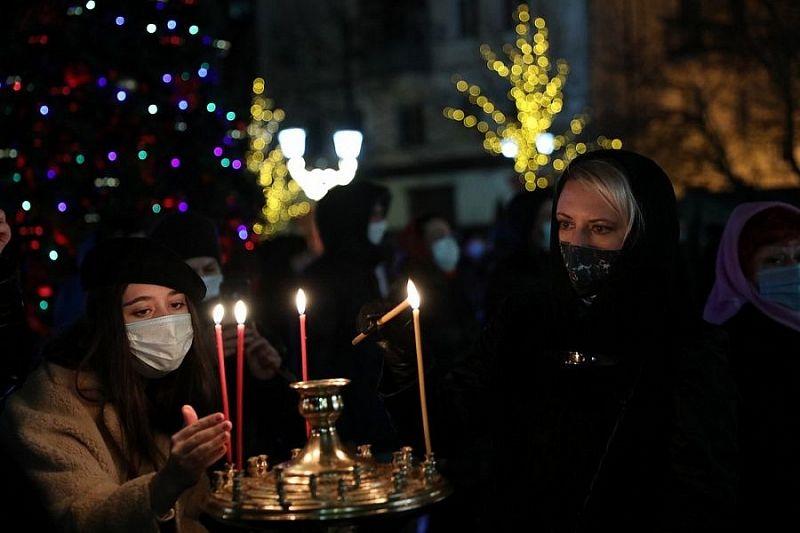 Праздничные богослужения провели более чем в 500 храмах Краснодарского края