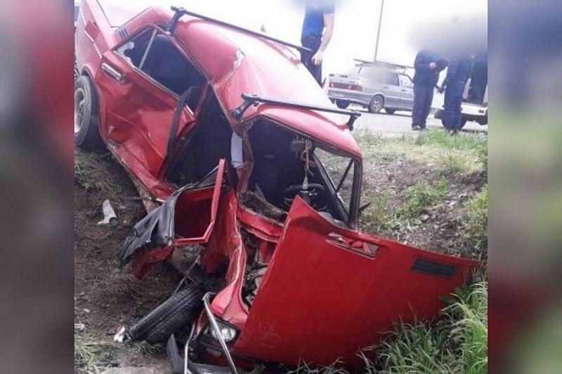 Два человека погибли в ДТП с пригородным автобусом и легковушкой