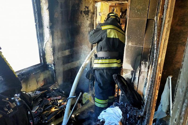 Из 12-этажного дома эвакуировали жильцов из-за пожара