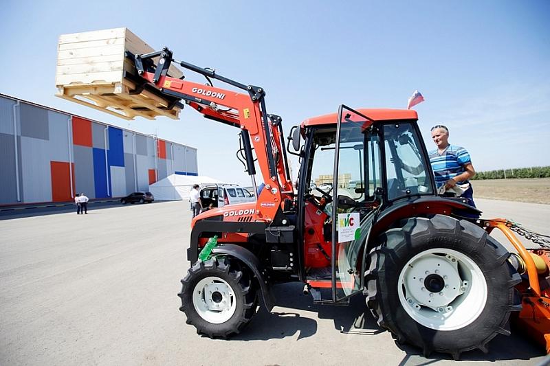 Краснодарский край в рамках нацпроекта наращивает экспорт сельхозтехники