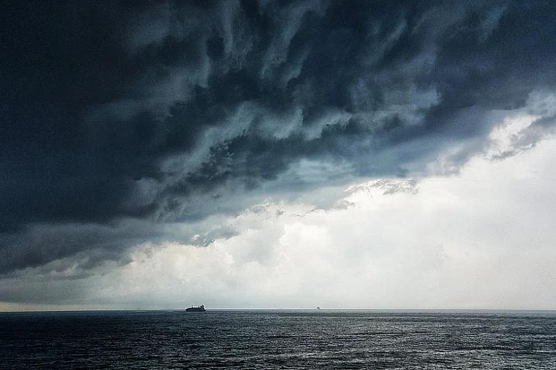 Сильный дождь с грозой ожидается на Черноморском побережье