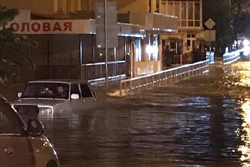 Ливень в Сочи: подтоплены пять поселков, 320 домов остались без газа