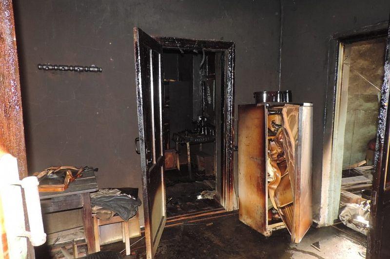 При пожаре в квартире погиб 60-летний мужчина