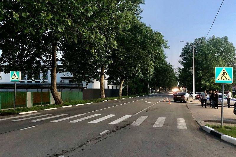 Водитель на иномарке сбил 12-летнюю девочку на пешеходном переходе