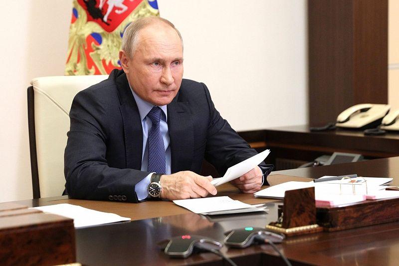 Владимир Путин выступил против обязательной вакцинации от коронавируса