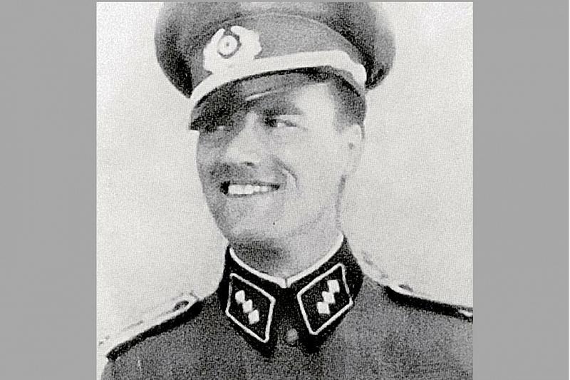 Фашисты доверяли Александру Козлову как своему, не зная, что он - сотрудник СМЕРШа.