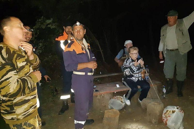 Две пенсионерки ушли в лес за грибами и заблудились