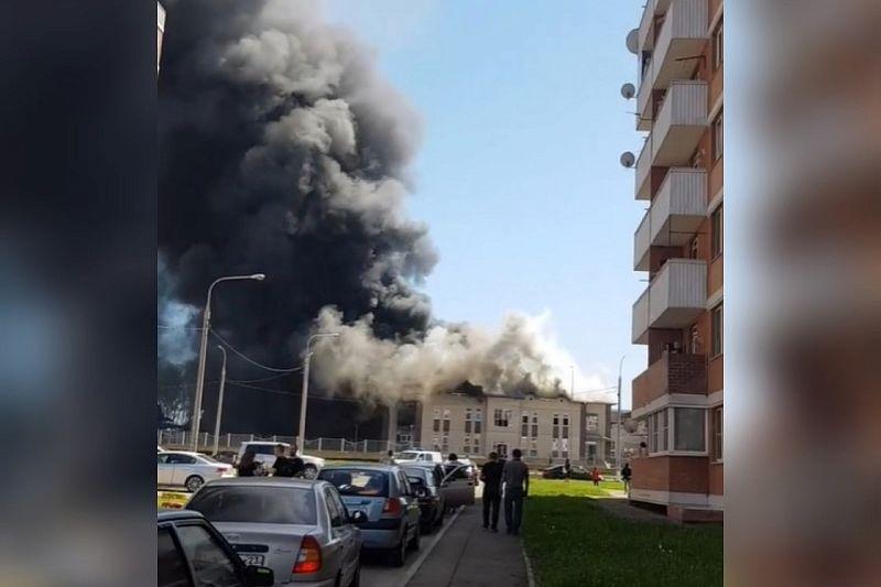 В Кореновске произошел крупный пожар в новом детском саду