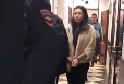 СК опубликовал видео задержания в Краснодаре пластического хирурга Алены Верди