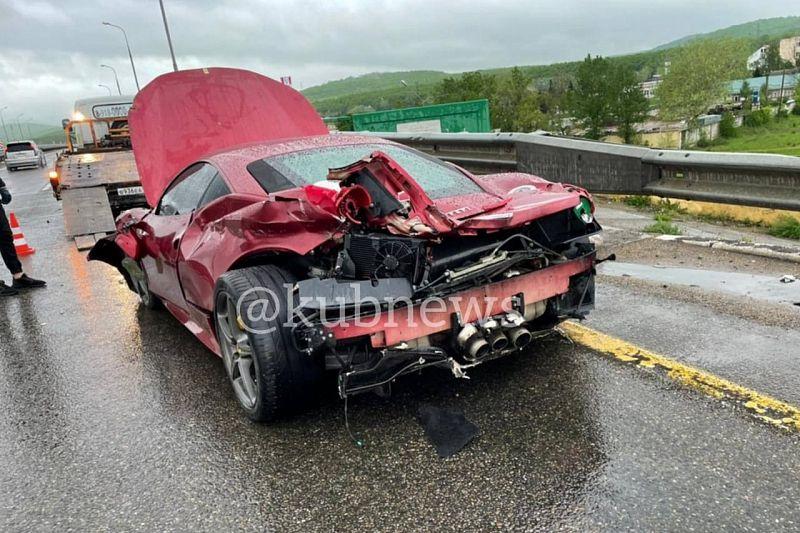 56-летний водитель разбил Ferrari в Краснодарском крае